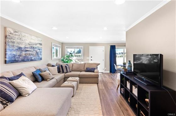 Harbor city condo- Fully remodeled